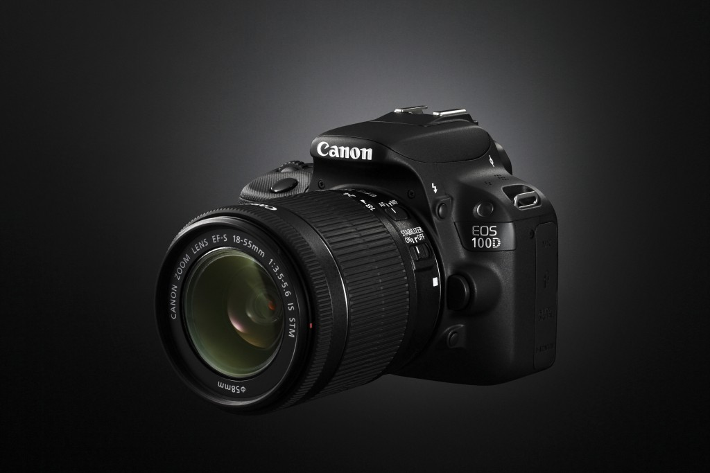 Canon EOS 100D cu EF-S 18-55mm IS STM