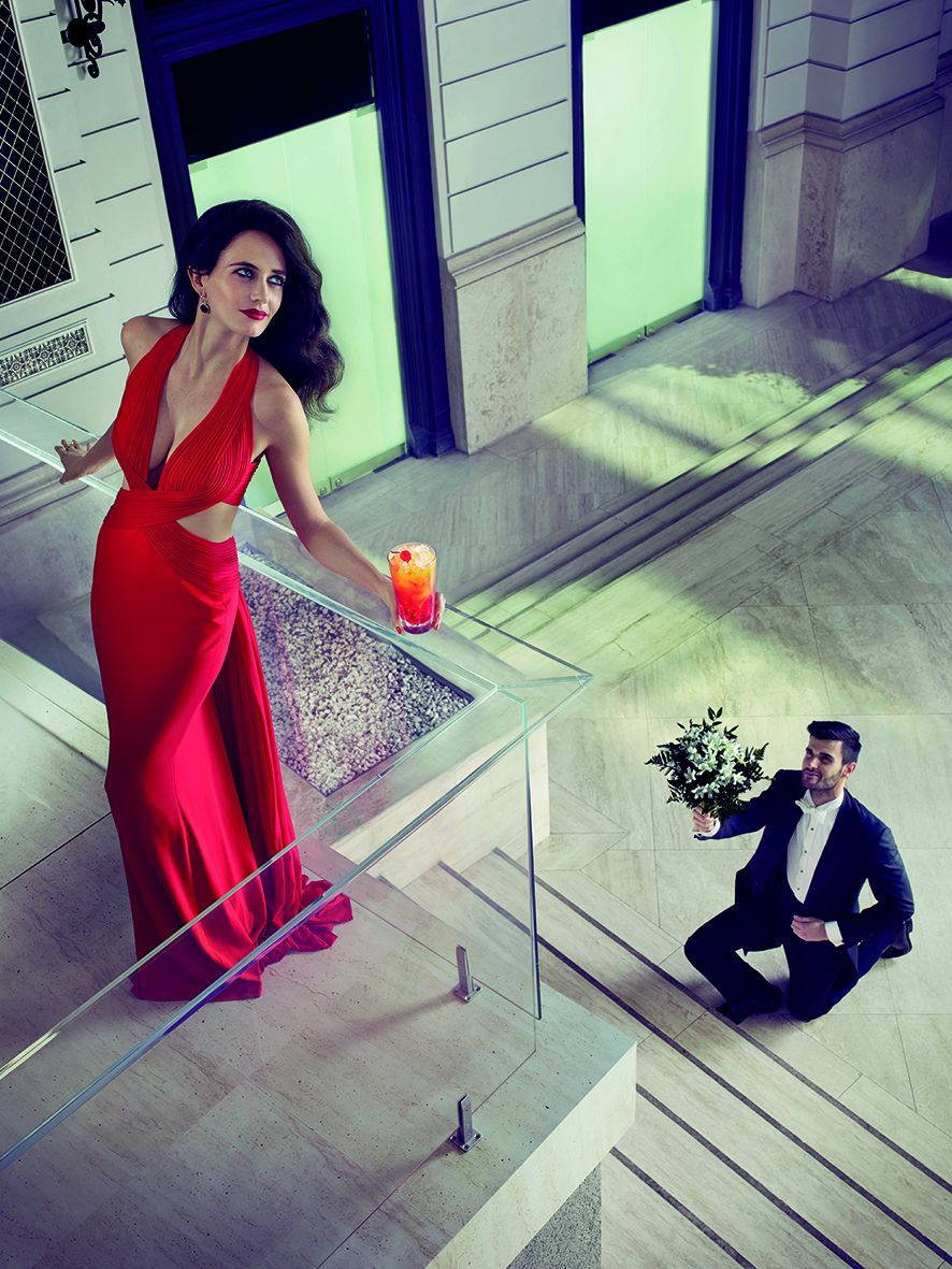 09 Campari Calendar 2015_Mythology Mixology_Eva Green_September_Campari Orange Passion_LR